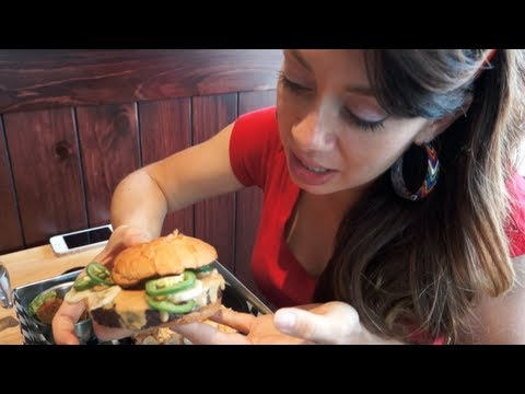 BEST BURGER IN THE WORLD - Daily Vlog Day 14