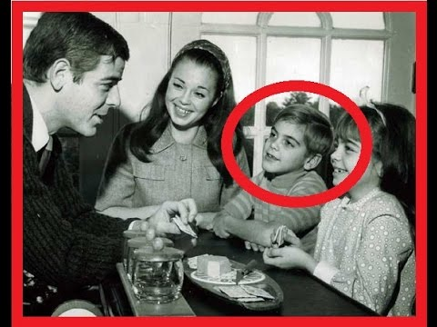 27 VINTAGE PHOTOS OF CELEBRITIES You ALMOST Won't Recognize