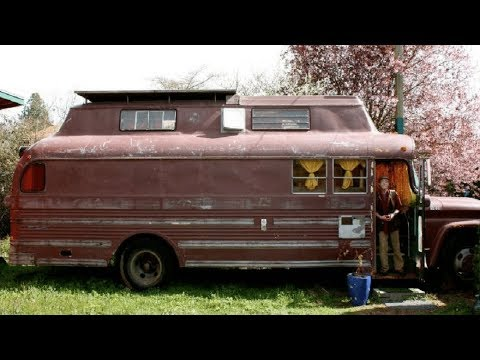 Retired Man Converts Old Bus Into His Dream Home And When You See Inside You Will Be Impressed