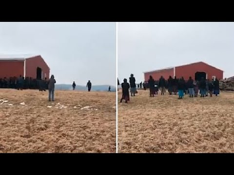 250 Amish Men Lift Barn with Their Bare Hands and Carry It Across Farm to Its New Spot